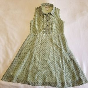 Dresses & Skirts - Light green ruffle front dress, Size 12